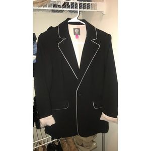 Vince Camuto Blazer w/ light pink lining. Size 4